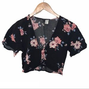 H&M floral cropped top size US 6 short sleeve
